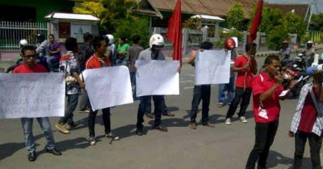 Tenaga outsourcing PLN Sumbawa