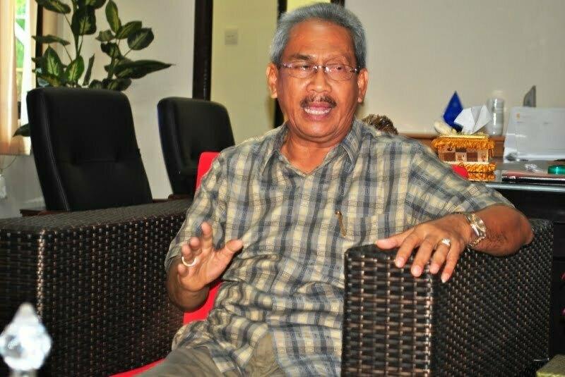 H M Husni Djibril B.Sc  Bupati Sumbawa