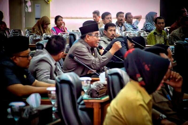 Instrupsi Politisi PKS Salamuddin Maula