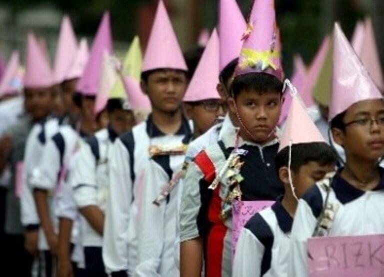 Ilustrasi Mos Sekolah di Sumbawa