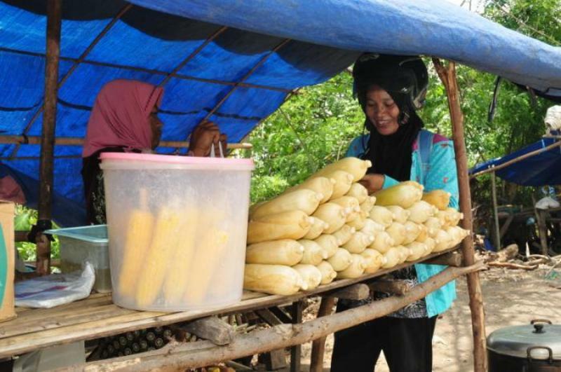 pembeli jagung