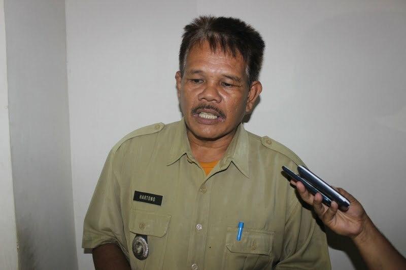 Camat Rhee  Hartono Belo S.Sos