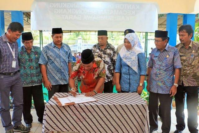 Pesmian Kantor Desa Aik Kangkung Oleh Bupati KSB Musyafirin