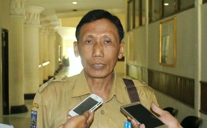 Kepala DPMPT-satu pintu KSB Drs. Hajamuddin MM