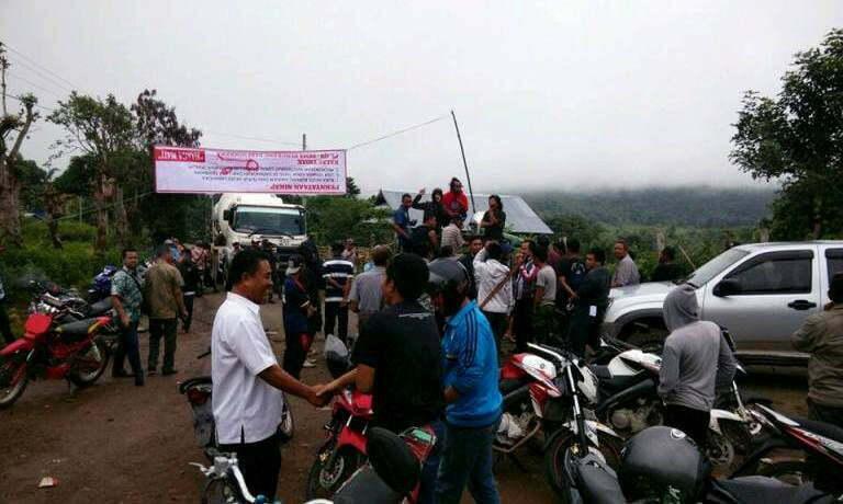 aksi pemblokiran jalan lintas sumbawa–ropang