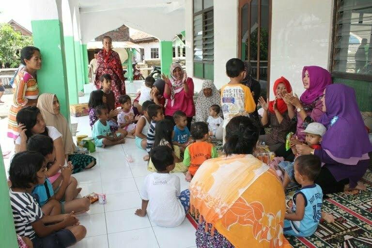anak2 di pengungsian korban banjir sumbawa