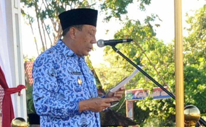wabub Sumbawa pada peringatan hardiknas tahun 2017