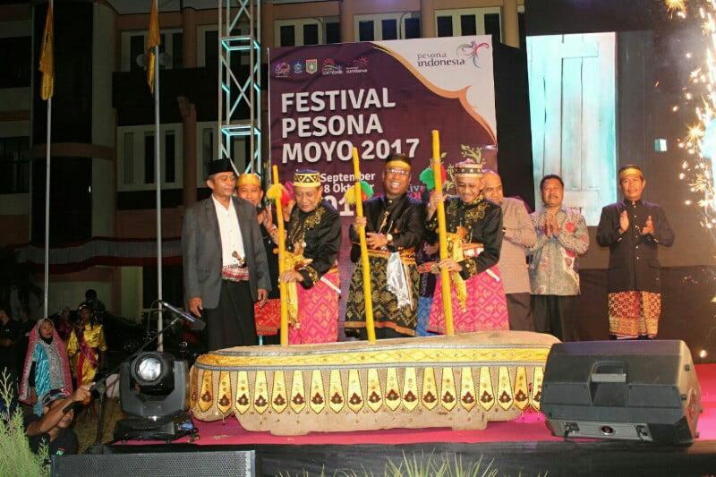 Pembukaan festval pesona moyo 2017