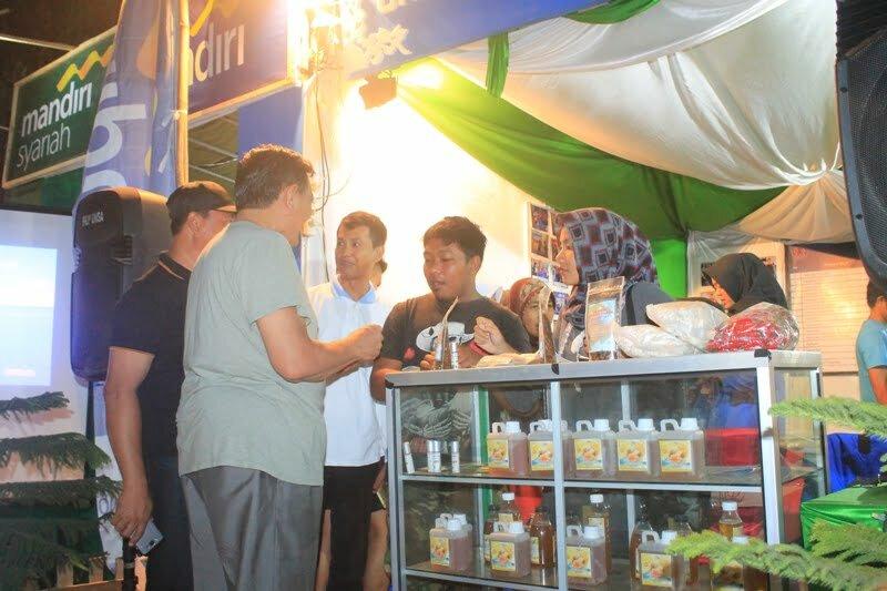 stan ekspo unsa pada festival pesona moyo 2017
