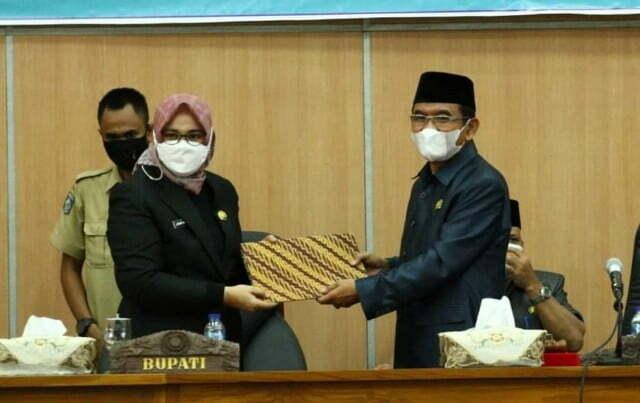Tanggapan Bupati Sumbawa Atas Pandangan Umum Fraksi DPRD