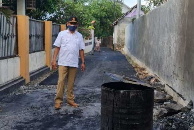 Jalan dan Saluran Air Warga Brang Biji Diperbaiki