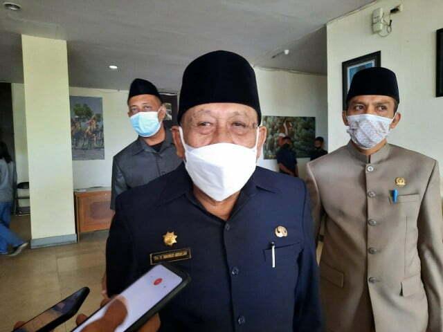 Bupati Sumbawa Drs. H. Mahmud Abdullah